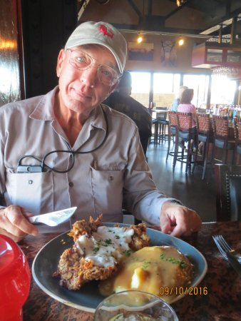 Miles City, Montana: Awesome chicken fried steak, happy camper!