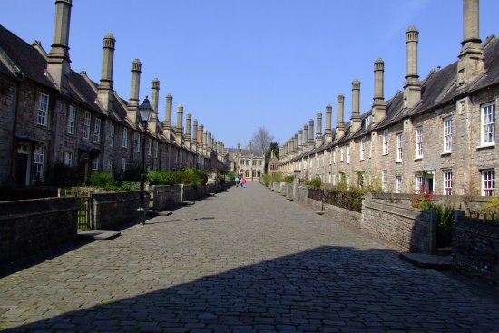 Vicar's Close: Sorry, not sufficiently experienced to compensate for the strong sun!