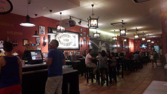 Cerveceria 100 Montaditos: l'interno del locale