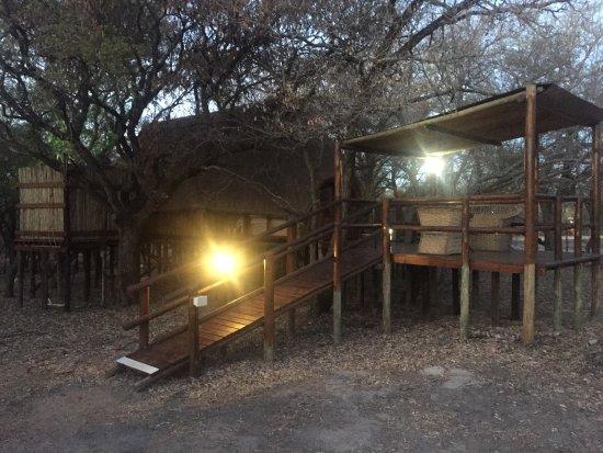 Pezulu Tree House Game Lodge: photo0.jpg