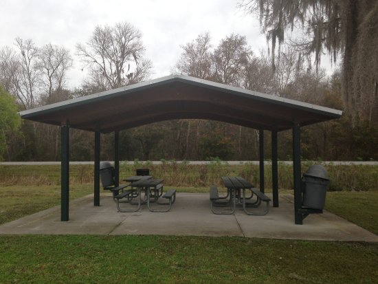 De Leon Springs, FL: Lake Dias Covered Picnic Area