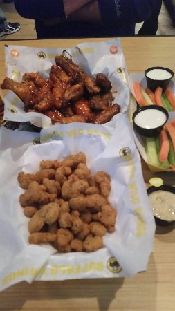 buffalo wild wings elk river