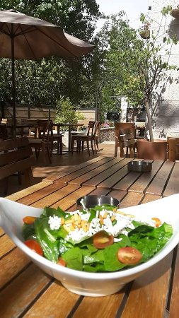 Amman Governorate, Jordan: Goat cheese Salad
