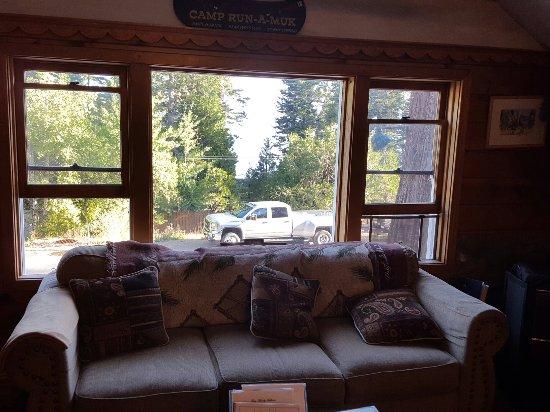 Tahoma, Californien: Loved our stay here at the beautiful, peaceful, rustic B and B with a very yummy breakfast!!