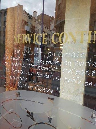 Asnieres-sur-Seine, Frankrike: TA_IMG_20160911_184813_large.jpg