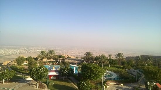 Mercure Grand Jebel Hafeet Al Ain: View from the room : Morning