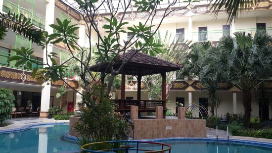 East Java, Endonezya: Indoor swimming pool