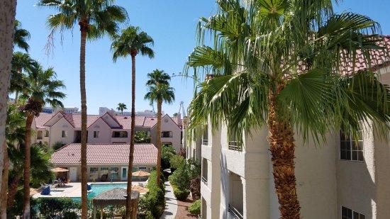 Holiday Inn Club Vacations Las Vegas - Desert Club Resort: View from bldg 21, room 305.