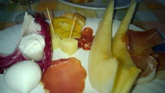 Montecorvino Pugliano, Italien: L'assiette d'antipasti