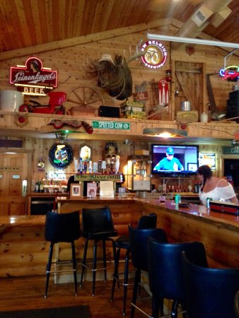 La Valle, WI: River Mill Food & Spirits