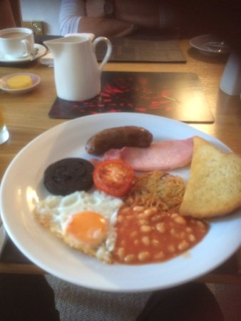 Grassmoor Guest House: Breakfast with the boys