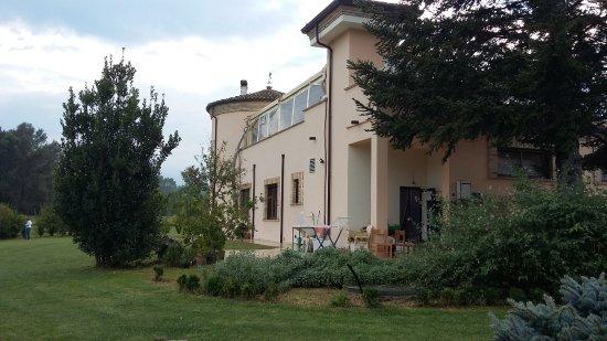 Bucchianico, Italia: vista esterna con terrazzo coperto