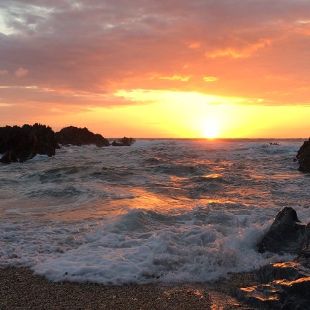 Barricane Beach Cafe: It's not just the food! The sunsets set the scene beautifully