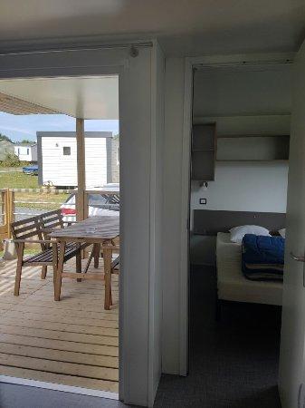 Camping de la prairie port en bessin huppain frankrig - Camping la prairie port en bessin huppain ...