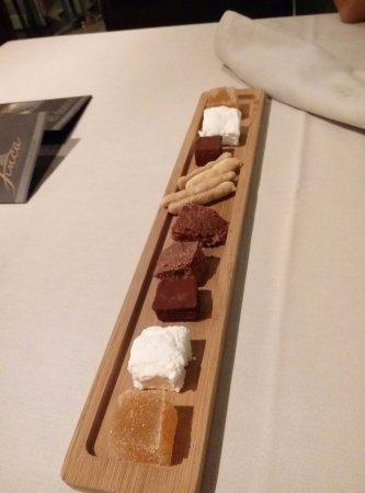 tabla de dulces caseros y golosinas