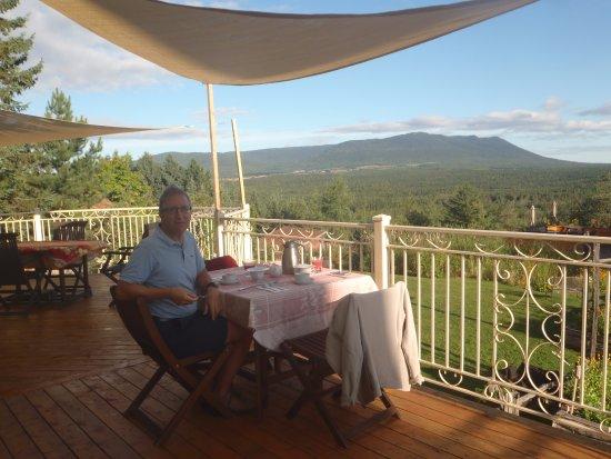 Notre Dame des Bois, Canada : Déjeuner sur la terrasse: ça dit tout!