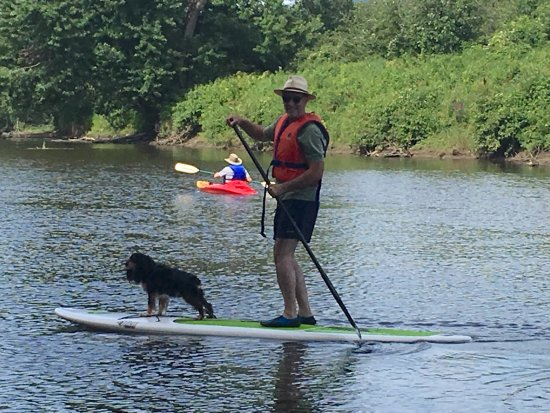 Sutton, Kanada: Canoe & Co.