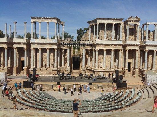Teatro Romano de Mérida - Picture of Roman Theater (Teatro Romano), Merida - ...