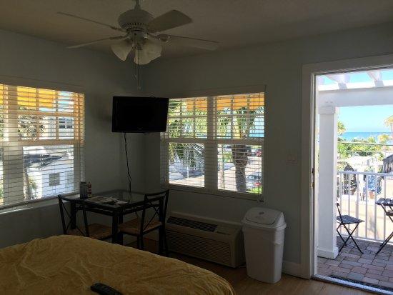 Coconut Inn: Great little hotel in a great little beach town!