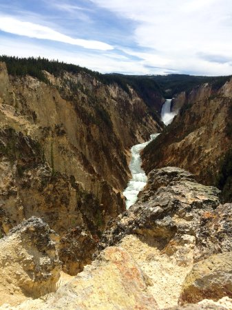 Ana's Grand Excursions : Yellowstone -- you can see where it got it's name!