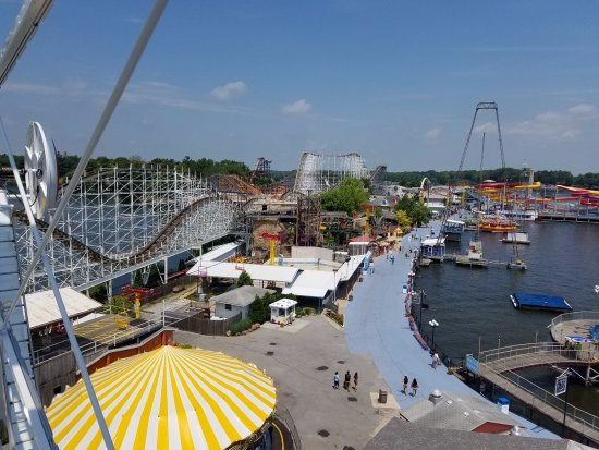 Monticello, IN: Main Midway attractions with sever roller coasters in view