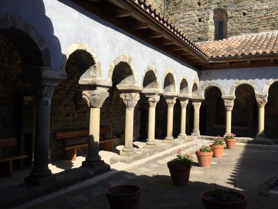 Monestir de Sant Pere de Casserres照片