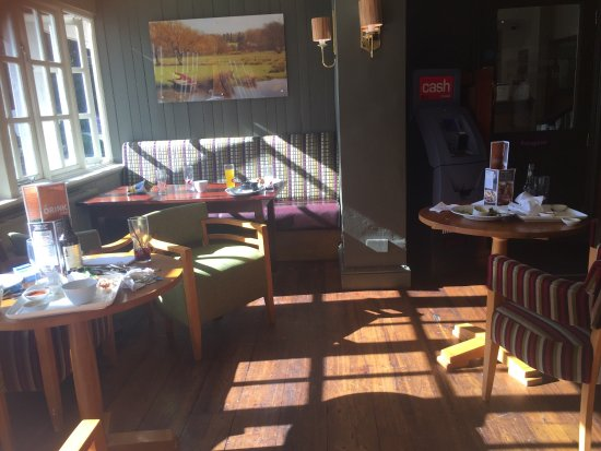 Beefeater Manor Inn: photo0.jpg