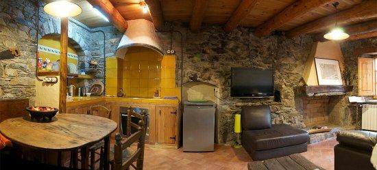 Taull, Espagne : Cocina y comedor del apartamento para 2 personas