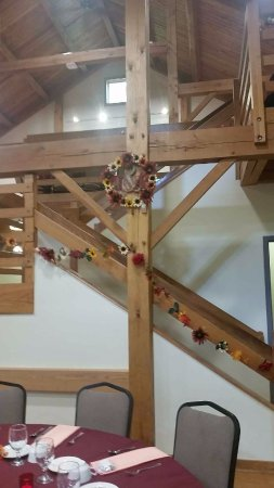 Cobblestone Farm: Stairway that we decorated for the wedding