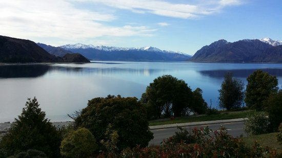 Lake Hawea, New Zealand: 20160906_152415_large.jpg