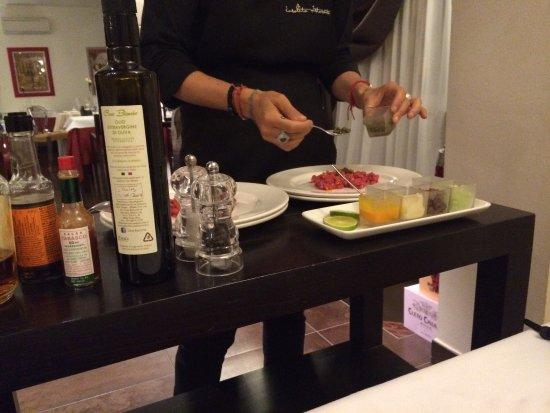 """Russi, Italia: Semplicemente divino!  Una tartare """"insolita"""" delicata al palato ma accattivante nel gusto. Sp"""