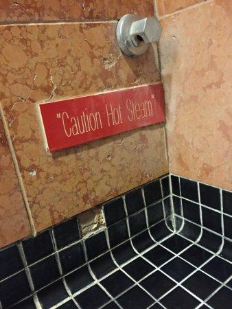 Montego Bay Casino Resort: Steam inside the shower