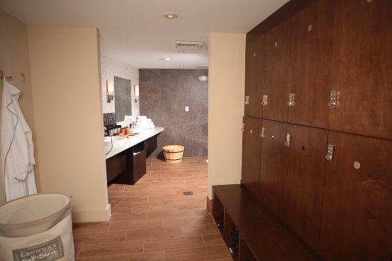 Wilton Manors, FL: Locker Rooms