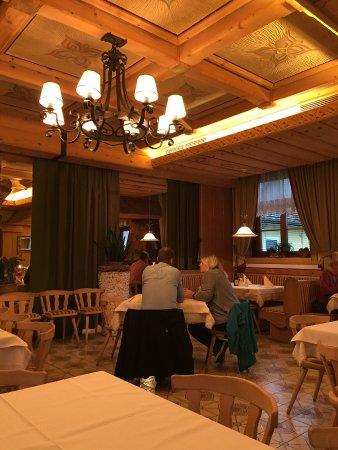 Aich, Austria: Die Räumlichkeiten sind groß und gemütlich - später wurde es noch voller
