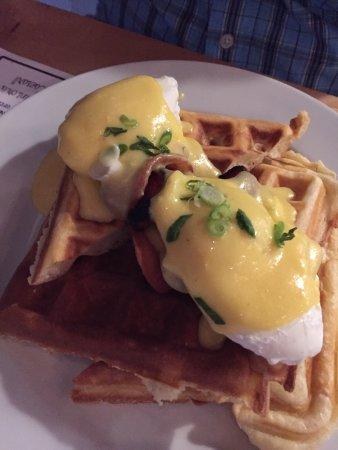 Pressed: Eggs Benedict!