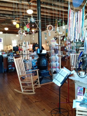 Travelers Rest, SC: Inside Williams Hardware