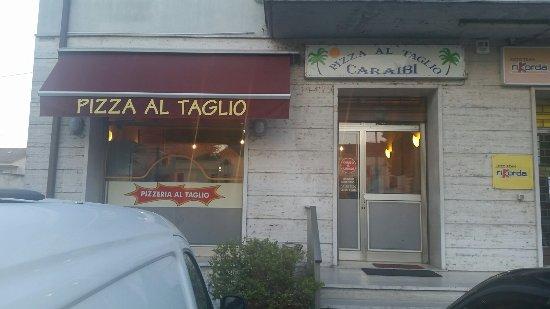 Pizzeria Al Taglio Caraibi (ブ...
