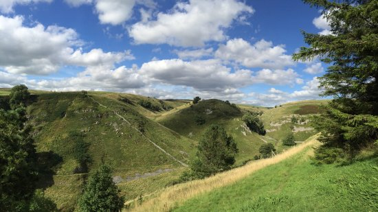 Parcevall Hall Gardens: Lovely views of the Yorkshire dales