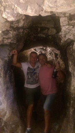 Sant'Anatolia di Narco, İtalya: MITICA GROTTA NELLA SALA RISTORANTE