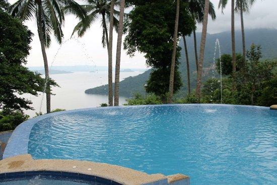 Endaya Cove Resort