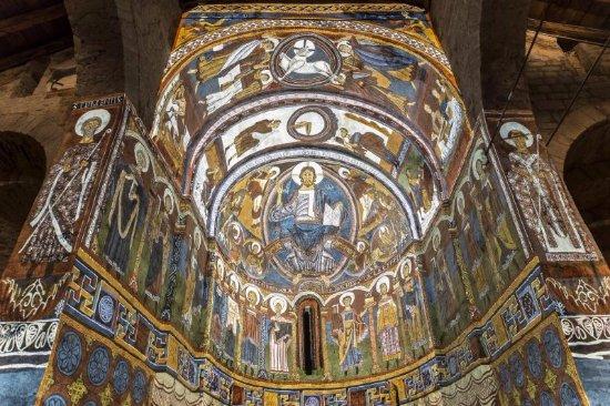 Erill La Vall, España: Cœur de l'église reproduit en partie par projection .