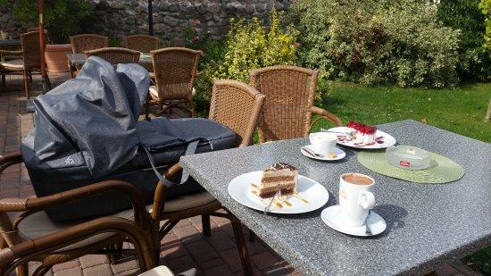 Ahrensfelde, Germany: Kaffee und Kuchen