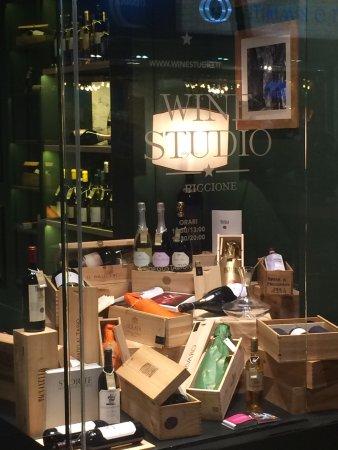 Wine Studio