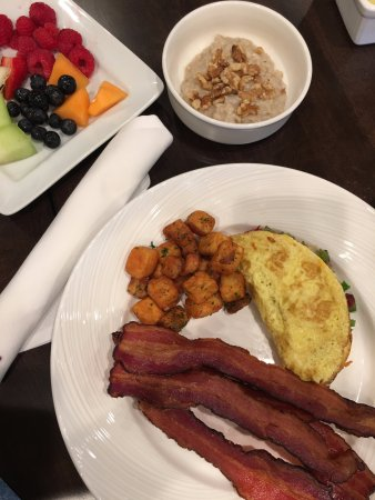 Bay Harbor, MI: breakfast potatoes, fruit, oatmeal, omelette and bacon
