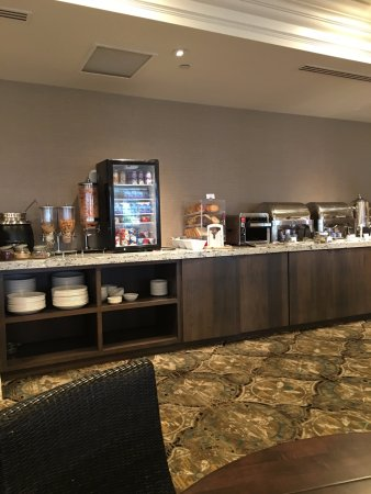 Bay Harbor, MI: part of the buffet included cereal and yogurt station