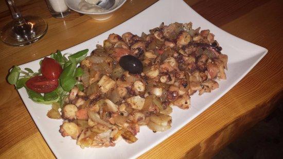 Gavuni: Octopus fried