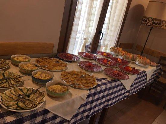 Nebbiuno, อิตาลี: Aperitivo Matrimonio Clara & Luca 😍❤️🍾🎉🎊