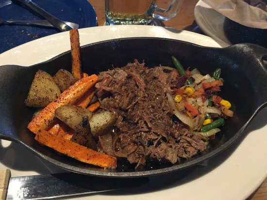 Twin Peaks Restaurants Pot Roast With Potatoes Carrots And Green Beans