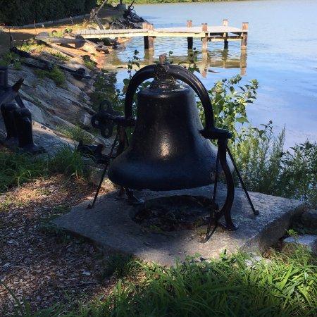 Spohr Gardens: Historical bell