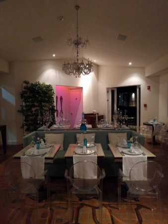 Asclepios Wellness & Healing Retreat: Restaurant